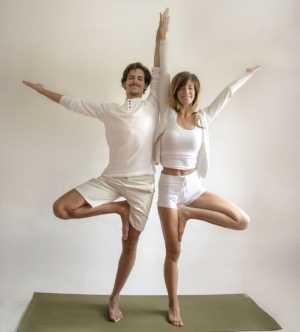 Основные асаны парной йоги Двойное дерево